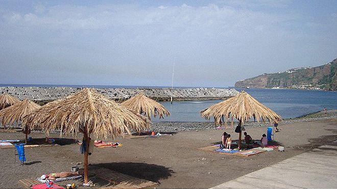 Zona Balnear da Ribeira Brava&#10Lugar Madeira&#10Foto: ABAE