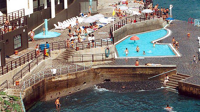 Zona Balnear da Barreirinha&#10場所: Madeira&#10写真: ABAE