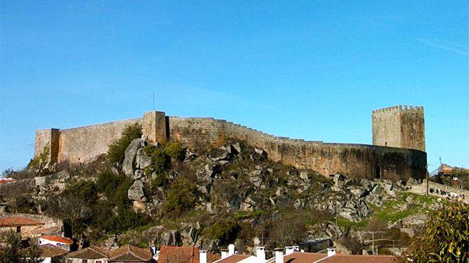 Muralha e Castelo&#10Место: Celorico da Beira&#10Фотография: CM de Celorico da Beira_Marco Pitt