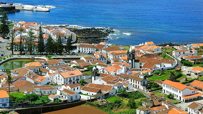 Igreja Matriz de Santa Cruz da Graciosa&#10Photo: Maurício de Abreu - Turismo dos Açores