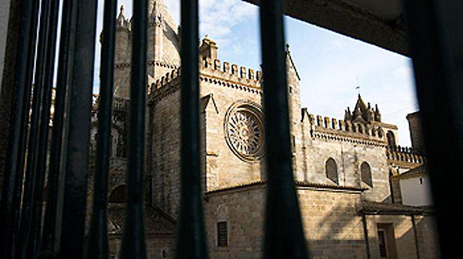 Entre a Sé de Évora e o Largo das Portas de Moura