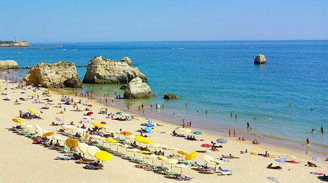Praia dos Três Castelos&#10Lieu: Portimão&#10Photo: Turismo do Algarve