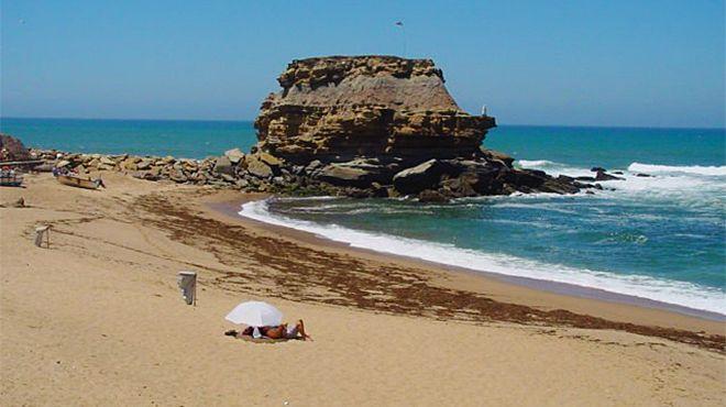 Praia de Poro Novo&#10Place: Torres Vedras&#10Photo: Associação da Bandeira Azul Europa
