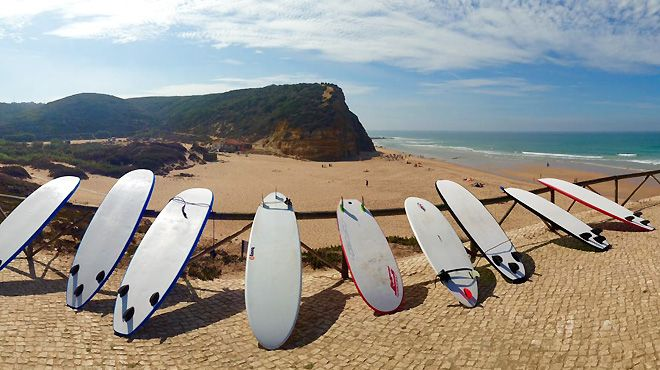 Action Waves&#10Plaats: Ericeira&#10Foto: Action Waves