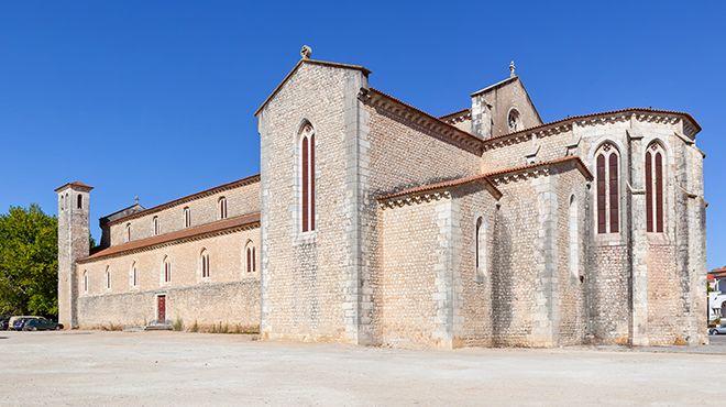 Igreja de Santa Clara&#10Lugar Santarém&#10Foto: Shutterstock_StockPhotosArt
