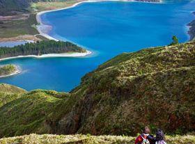 在亚速尔群岛 (Açores) 闲庭信步