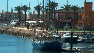 Marina de Lagos&#10Local: Lagos