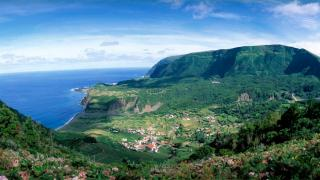 Vista Panorámica&#10Lieu: Ilha das Flores nos Açores&#10Photo: Paulo Magalhães