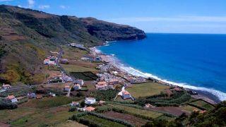 Baía da Praia Formosa&#10Local: Ilha de Santa Maria - Açores&#10Foto: Turismo dos Açores