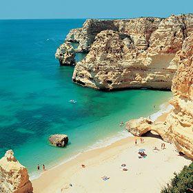 Praia da MarinhaLugar CaramujeiraFoto: Turismo do Algarve