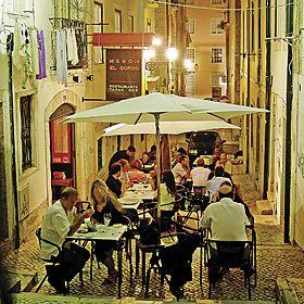 Lisboa場所: Bairro Alto写真: José Manuel