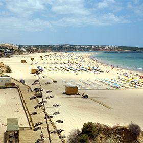 Praia da RochaLuogo: PortimãoPhoto: Associação da Bandeira Azul Europa