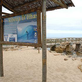 Praia da Ribeira d'Ilhas場所: Ericeira