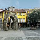 Largo Nossa Senhora da Oliveira&#10Lugar Guimarães&#10Foto: Associação de Turismo do Porto